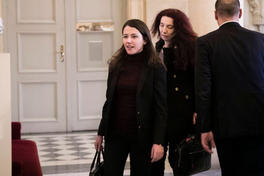 La députée LREM d'Aix-les-Bains dans la salle des Quatre Colonnes pendant une séance de questions au gouvernement
