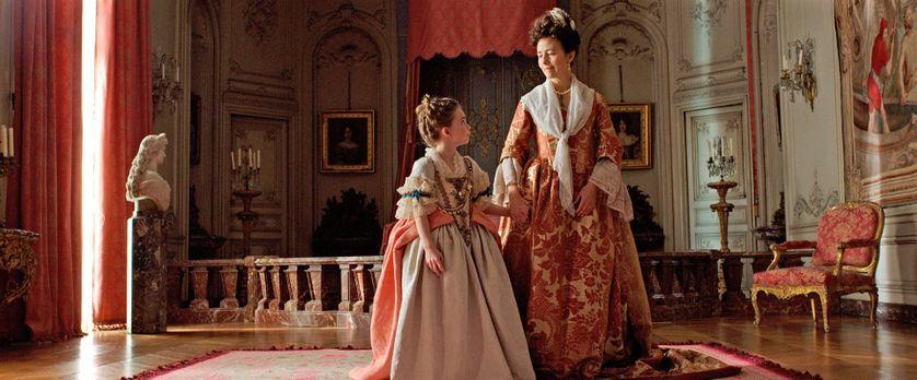 """Juliane Lepoureau (Marie-Victoire) et Catherine Mouchet (Madame de Ventadour) dans """"L'Echange des princesses"""" de Marc Dugain"""