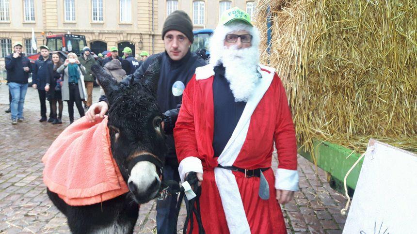 Le père Noël des agriculteurs à Metz