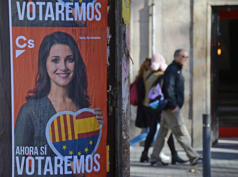 Affiche électorale à Barcelone en faveur de la chef de file du parti Ciudadanos Inès Arrimadas