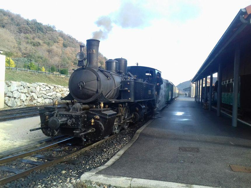 Le train de l'Ardèche mardi en gare de Saint-Jean-de-Muzols
