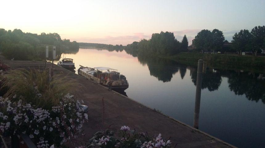 A bord de l'Ondine, Bruno profite de magnifiques coucher et lever de soleil
