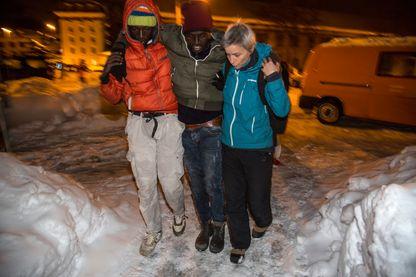 Plus de 1500 migrants traversent chaque année la frontière italienne pour rejoindre la France, dans des conditions difficiles. A Briançon, un refuge leur vient en aide.