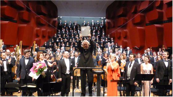 Enregistrée en concert à Strasbourg, en avril 2017, la nouvelle intégrale des Troyens réunit, sous la direction de John Nelson, une distribution de rêve...