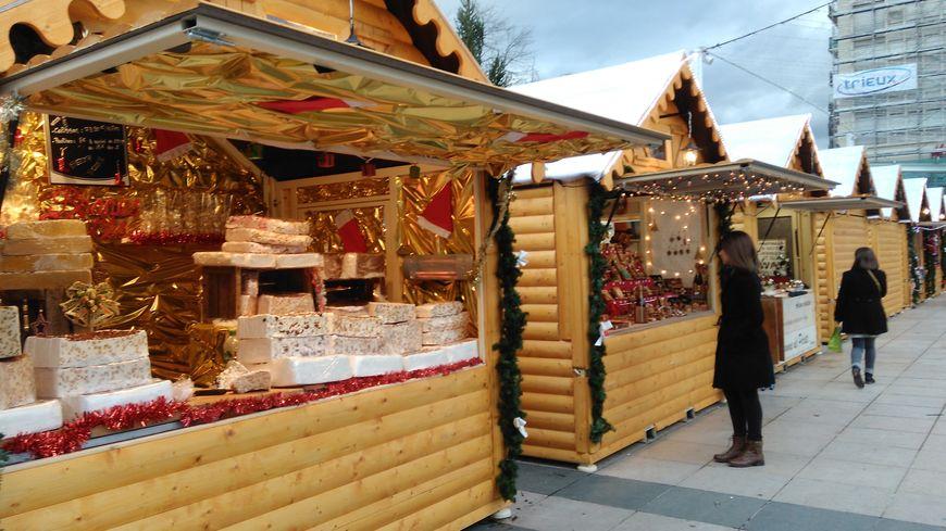 Chalet Marché De Noel En Béarn, les chalets dépliables des marchés de Noël sont