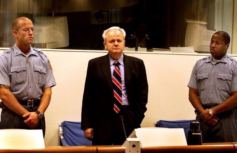 Slobodan Milosevic, ancien président de Yougoslavie, lors de son procès au Tribunal Pénal International d'ex-Yougoslavie (29 octobre 2001)
