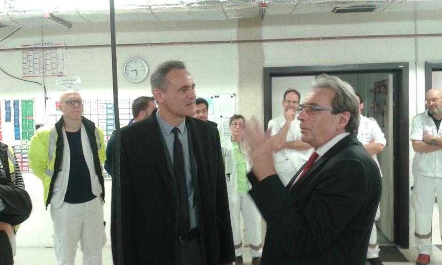 Le maire de Strasbourg Roland Ries en visite au SAMU 67, dimanche 31 décembre 2017.