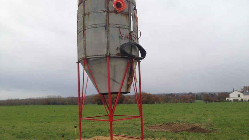 Le silo a grains gardien des lieux a été inauguré ce dimanche à Noyal