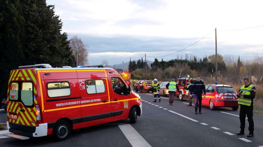 Les pompiers et les gendarmes lors de l'accident de Millas, le 14 décembre dernier