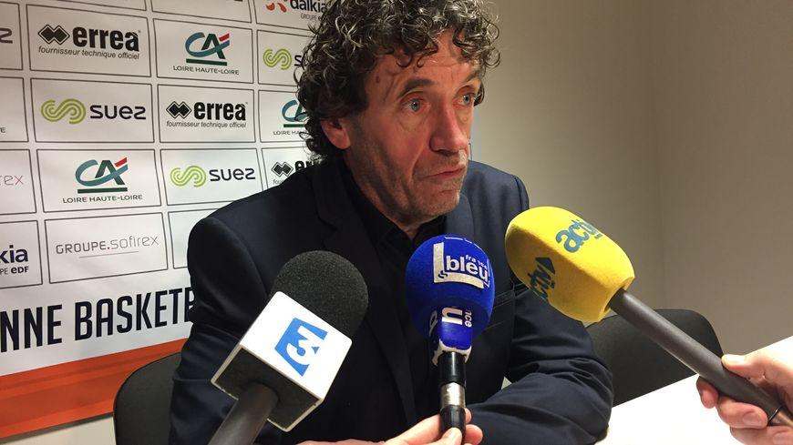 L'entraineur de Saint-Chamond Alain Thinet après la victoire contre Roanne