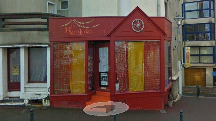 La Roulotte, bazar chic et bohème à Granville, épinglée pour absence de prix en devanture.