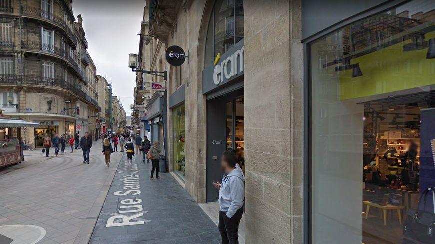 Bordeaux le toit d 39 un b timent menace de s 39 effondrer rue sainte catherine un magasin vacu - Magasins rue sainte catherine ...