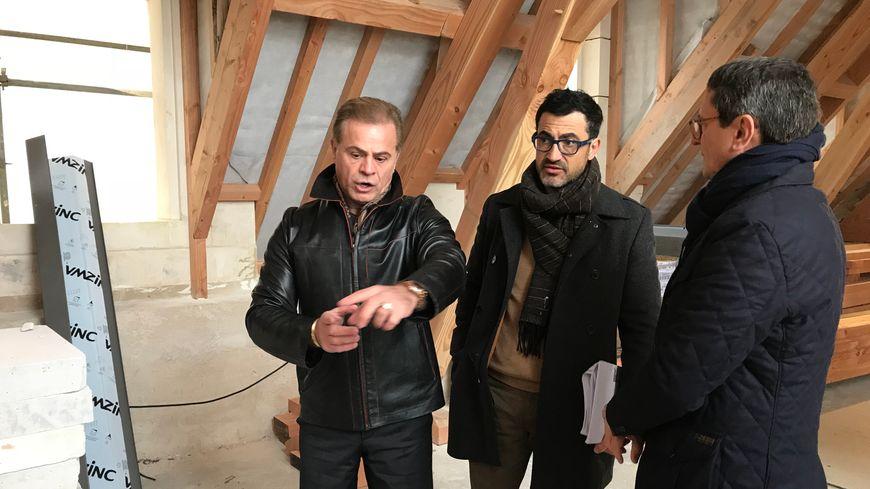 Zaya Younan fait part de ses souhaits à l'architecte Olivier Guillemot