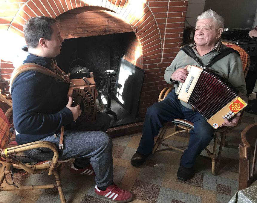 Nicolas et Pierrot à l'accordéon diatonique