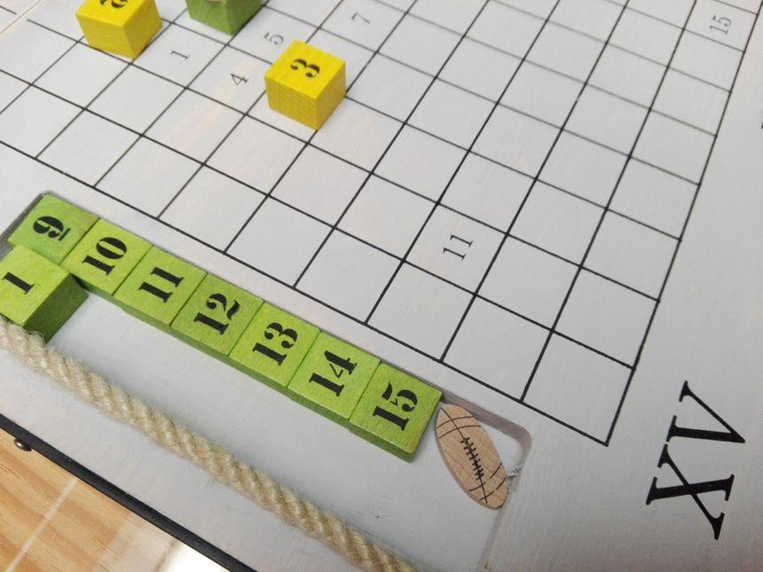 Le jeu se joue à deux pour une partie à 7 ou à 15.
