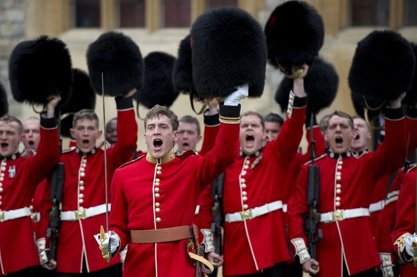 """Les """"Coldstream Guards"""", régiment d'infanterie faisant partie de la garde royale britannique"""