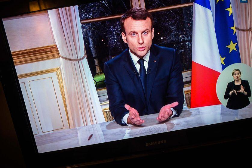Les Vœux Contradictoires Du President Macron