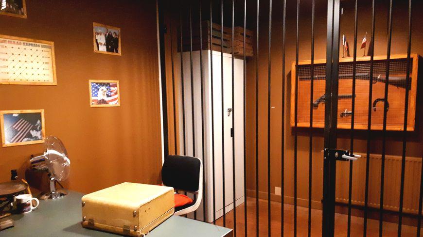 L'une des deux missions du John Doe escape commence dans le bureau d'un shérif au Texas