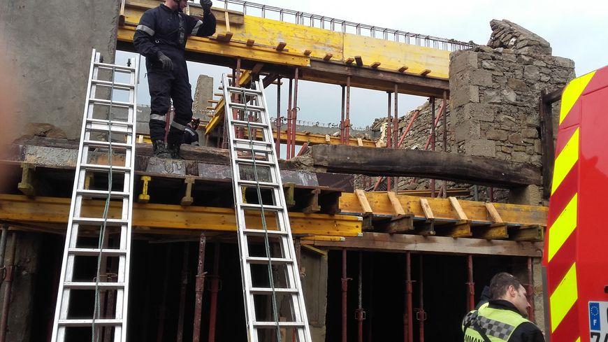 L'effondrement d'un mur sur un chantier de Choisy a fait un mort et un blessé.