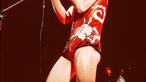 Épisode 2 :  David Bowie : Mourir sur scène