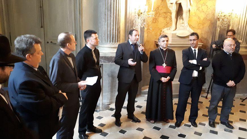 L'archevêque de Rouen (3e en partant de la droite) a réagi aux révélations sur l'attentat de Saint-Étienne-du-Rouvray lors d'une cérémonie interconfessionnelle de vœux organisée ce vendredi.