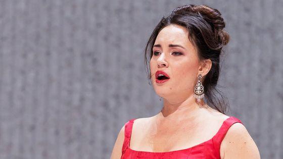 Sonia Yoncheva (dans la Traviata au Metropolitan Opera de New York en 2017)