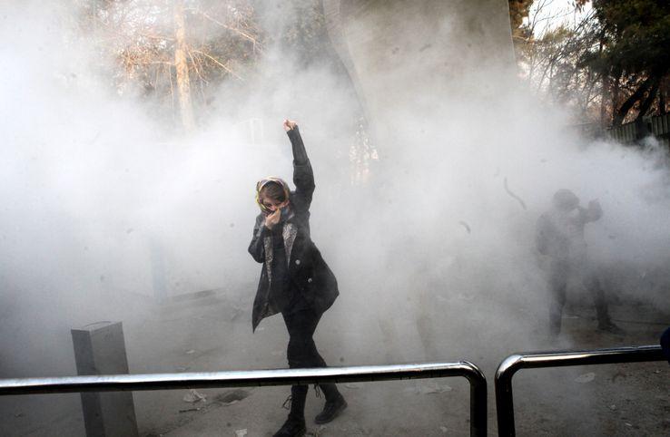 Une vingtaine de manifestants seraient morts dans des affrontements avec la police, depuis le début du mouvement, jeudi dernier.