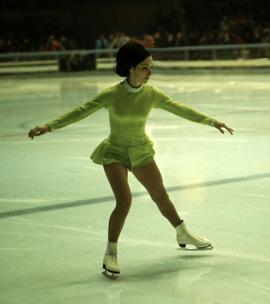 Médaillée d'or en patinage en 1968, l'Américaine Peggy Flemming a une fève à son effigie.