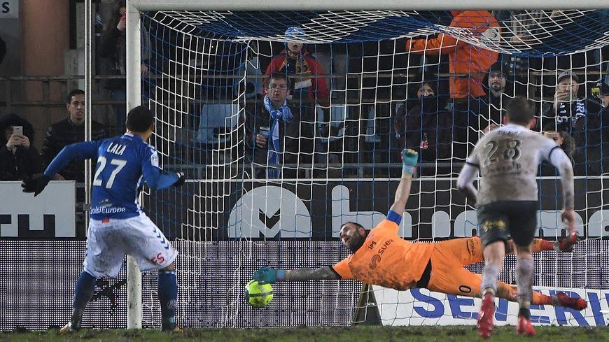 Kenny Lala a trompé Reynet sur penalty à deux reprises.