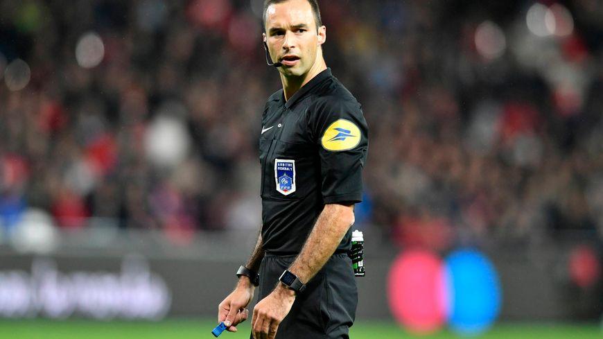 Jérôme Brisard, nouvel arbitre international