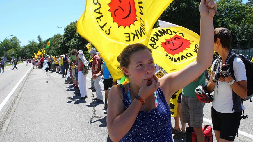 Manifestation en juin 2011 pour réclamer la fermeture de la centrale nucléaire de Fessenheim