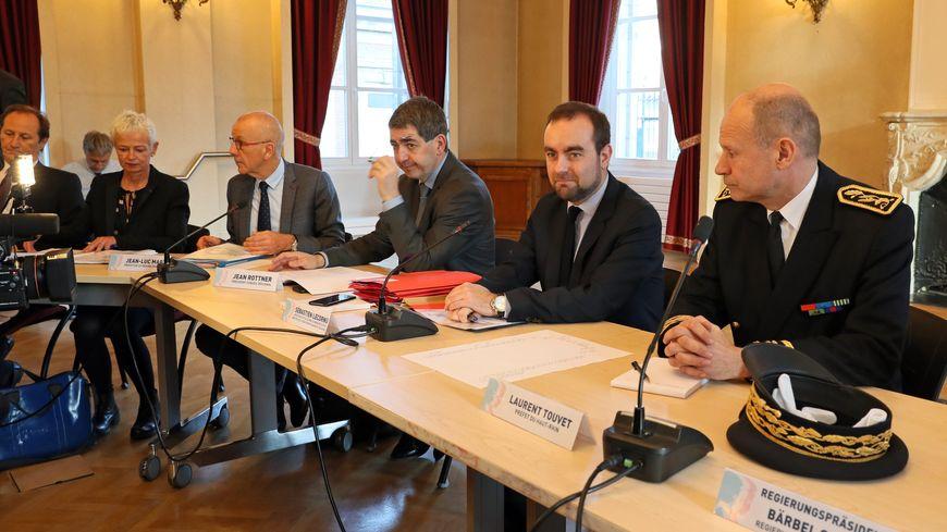 Sébastien Lecornu a installé ce vendredi matin en préfecture le comité de pilotage de fermeture de la centrale nucléaire de Fessenheim.