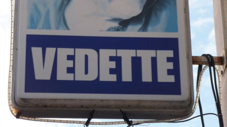 La mère Denis, icône de la publicité pour les machines VEDETTE
