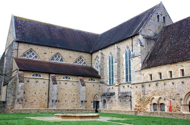 Abbaye royale de l'Epau (Sarthe)