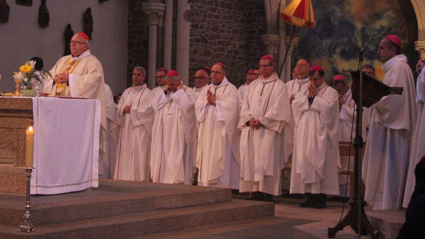 Vingt évêques venus de toute la France pour une messe fraternelle.