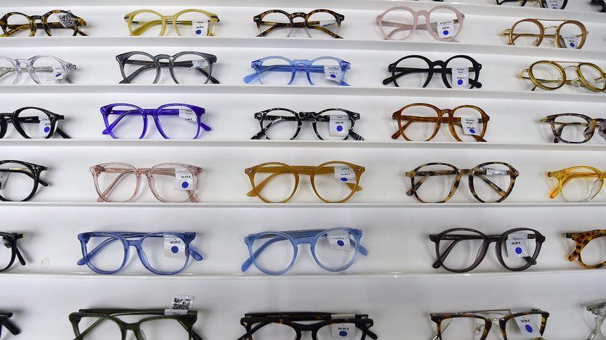 001ed022161 Comment savoir si vous payez-vous vos lunettes trop cher