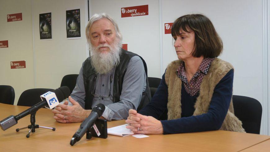 Les parents d'Arthur Noyer lors du point presse à Bourges le mercredi 3 janvier.