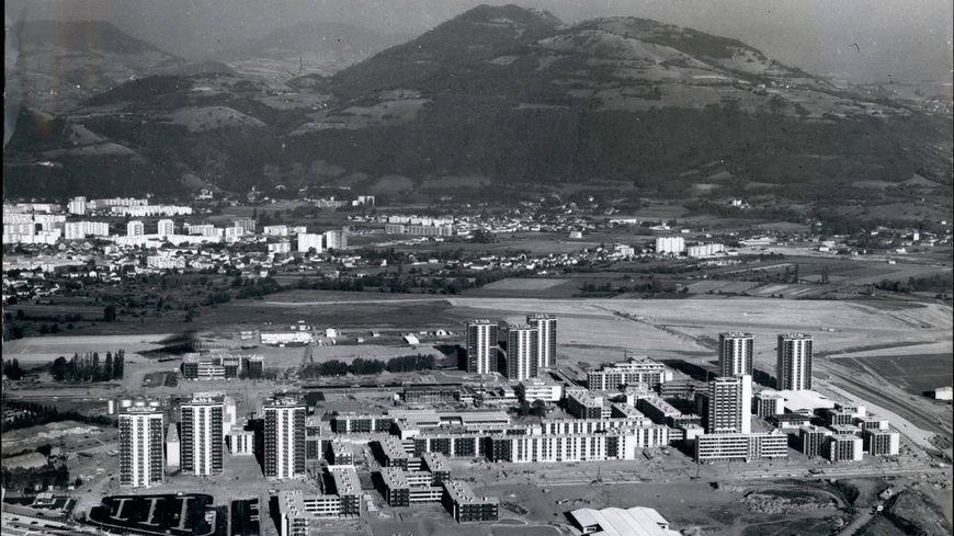 La ville de Grenoble a été entièrement modifiée par le passage des Jeux Olympiques de 1968.