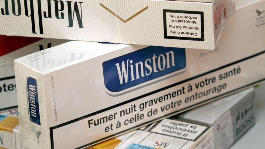 Près de 2 tonnes de cigarettes de contrebande saisies au péage de Fréjus