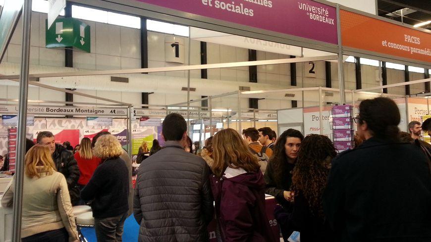 Au salon de l'étudiant à Bordeaux,  de nombreux lycéens se posent encore des questions sur les nouveaux mode d'accès à l'université