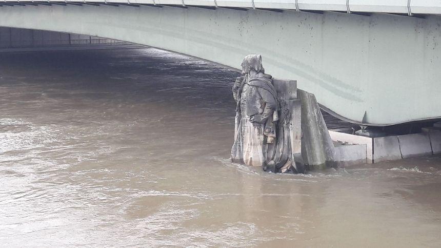 Le zouave du pont de l'Alma.