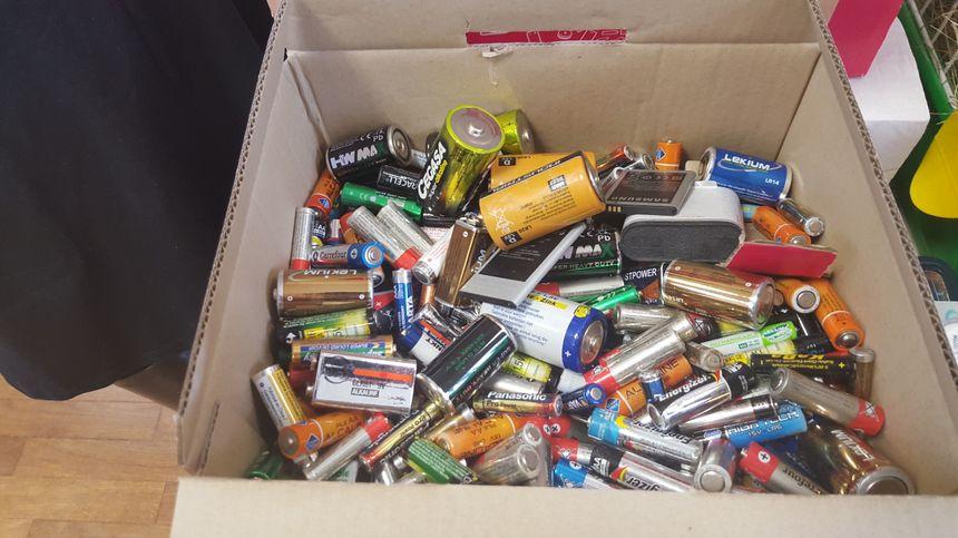 Les élèves de l'école Henri Mathieu de Til-Châtel ont déjà récolté 10 kilos de piles usagées
