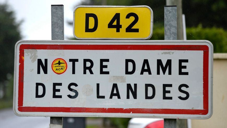 Entrée de la commune de Notre-Dame-des-Landes, au nord de Nantes