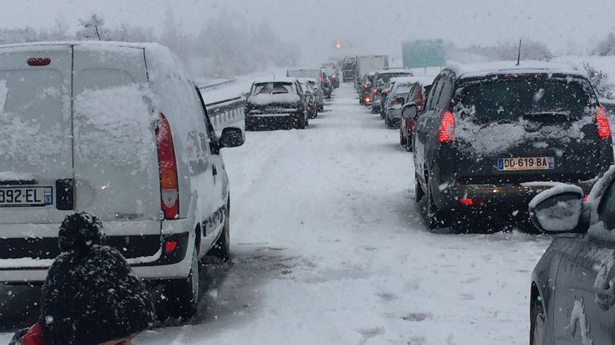 Des centaines d'automobilistes pris au piège dans le Cantal