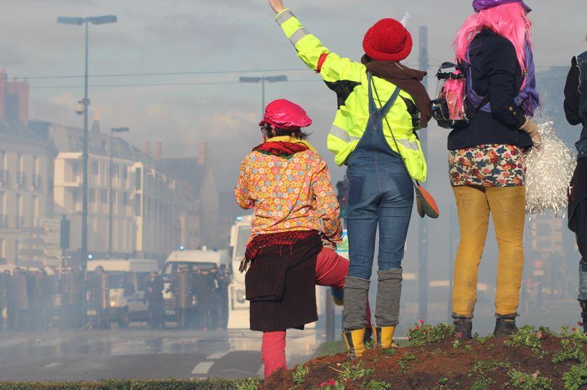 manifestants opposés au projet d'aéroport à Notre-Dame-des-landes le 22 février 2014