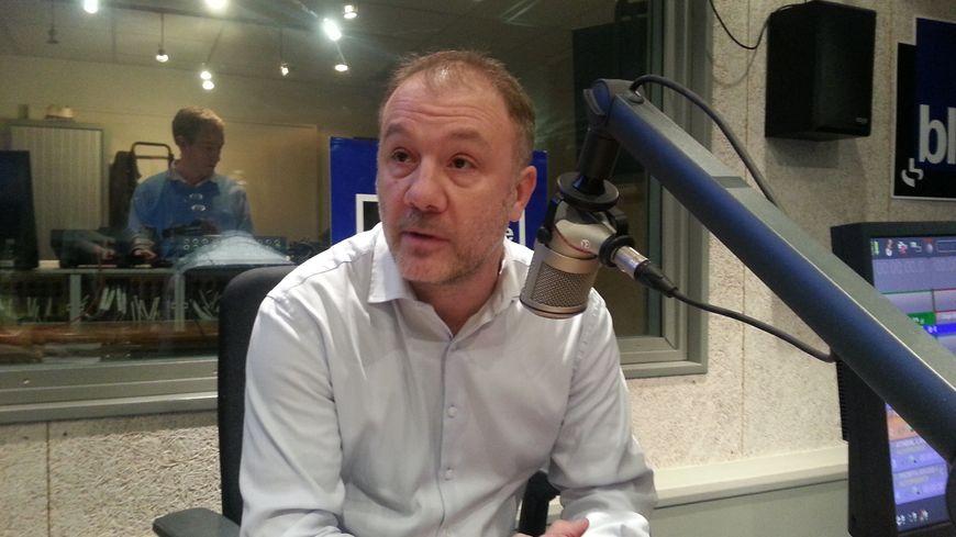 """""""la majorité municipale fait prendre à la ville des risques financiers insensés"""" selon Henri Etcheto"""