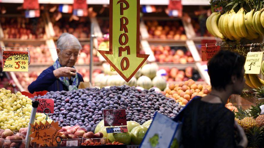 Le gouvernement présente ce mercredi un projet de loi pour apaiser les relations commerciales et la guerre des prix entre agriculteurs, industriels et distributeurs.