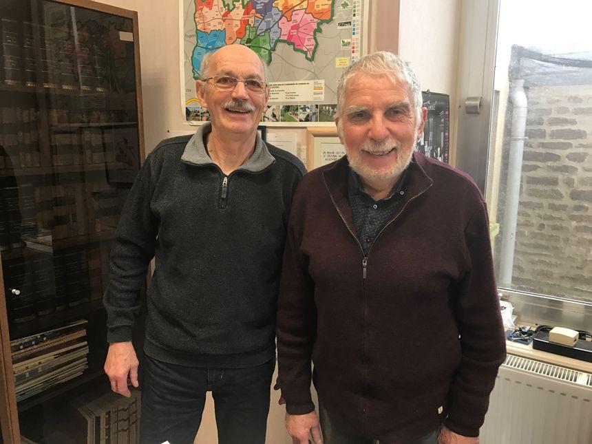 Marcel Ronceray et Jean-Pierre Dupuis sont devenus amis depuis qu'ils sont entrés ensemble au conseil municipal de Landivy en 1995.