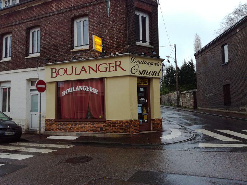 La boulangerie Osmont est située 12 rue Jean Macé à Petit-Quevilly près de Rouen. Leur pain est également vendu aux marchés et livrés dans plusieurs magasins de Seine-Maritime et de l'Eure.