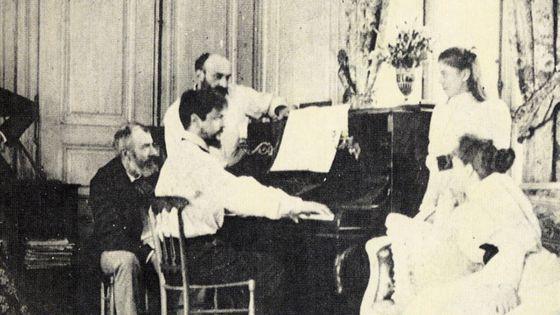 Claude Debussy chez son ami Ernest Chausson (debout), été 1893